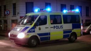 Polis-piket-blåljus-foto-Benno-Hansen-Flickr-300x169