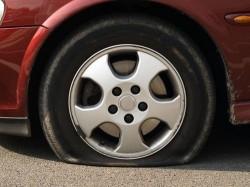 däck-punktering-250x187
